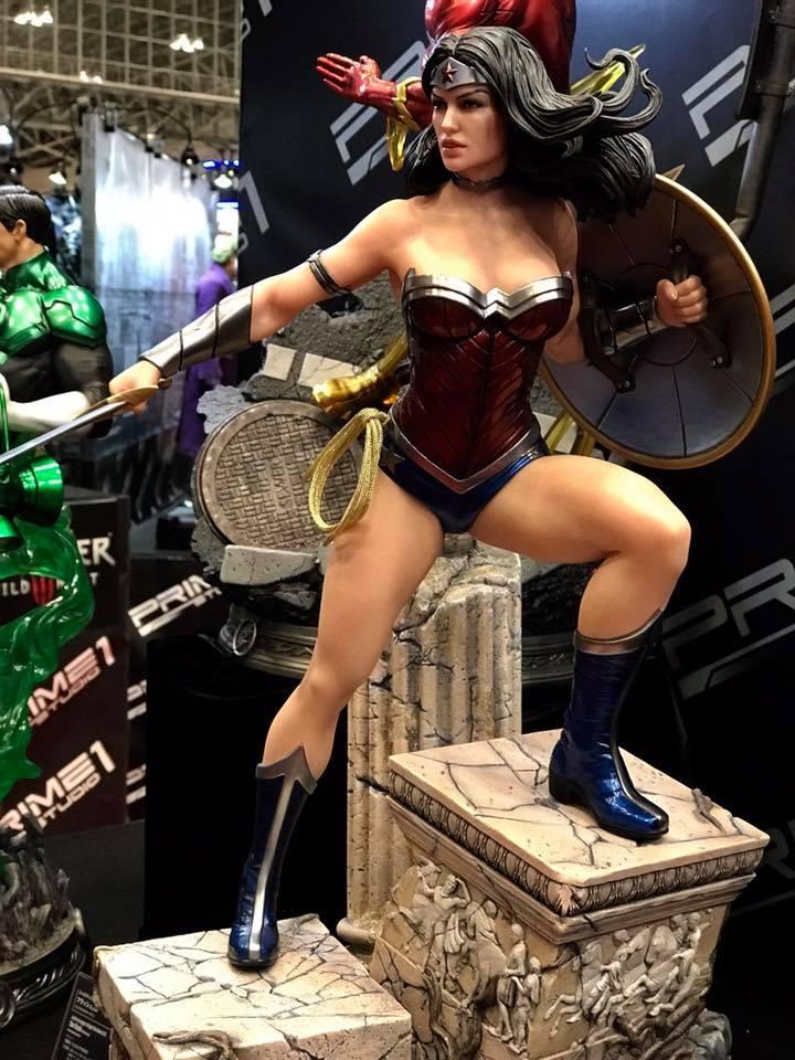DC Comics - New 52 Wonder Woman 1/4 Statue   20374411
