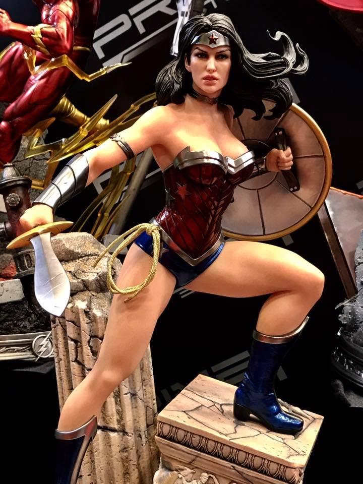 DC Comics - New 52 Wonder Woman 1/4 Statue   20476210