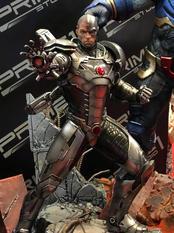 DC Comics - New 52 Cyborg 1/4 scale statue 20525410