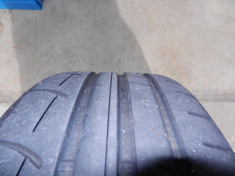 Les pneumatiques Dscn4927