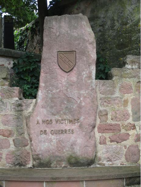 [ Histoires et histoire ] Monuments aux morts originaux Français Tome 2 - Page 17 Captu786