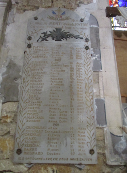 [ Histoires et histoire ] Monuments aux morts originaux Français Tome 2 - Page 18 Captu831
