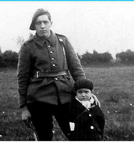 """[ Histoires et histoire ] Le petit Marcel Pinte, dit """"Quinquin"""" mort pour la France à l'âge de 6 ans. Captu983"""