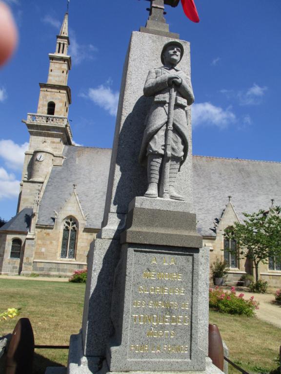 [ Histoires et histoire ] Monuments aux morts originaux Français Tome 2 - Page 8 Img_2511