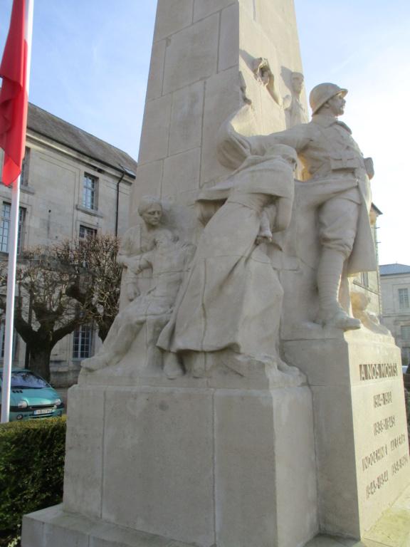 [ Histoires et histoire ] Monuments aux morts originaux Français Tome 2 - Page 15 Img_5845