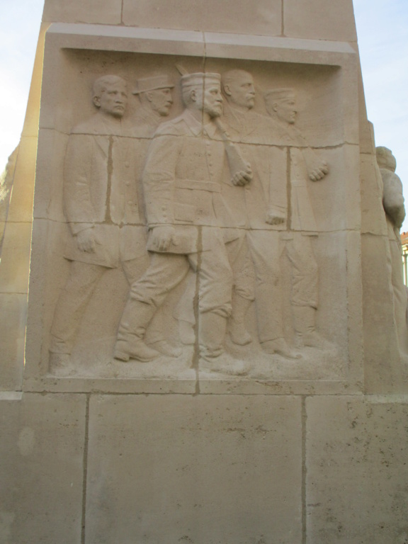 [ Histoires et histoire ] Monuments aux morts originaux Français Tome 2 - Page 15 Img_5850
