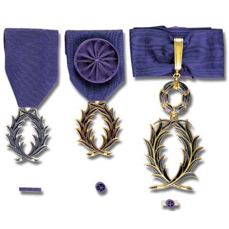 [ Histoire et histoires ] Médailles, insignes et autres - Page 2 Scan103