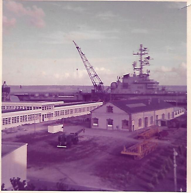 [Les ports militaires de métropole] Port de BREST - TOME 3 - Page 18 Scan_272
