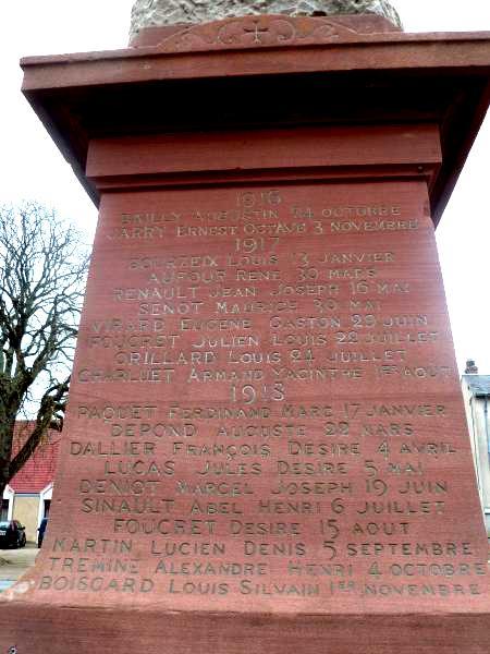 40 000 monuments pour 1 350 000 morts pendant la guerre de 14-18 [sujet collaboratif : on a besoin de vous !] - Page 3 Listem12