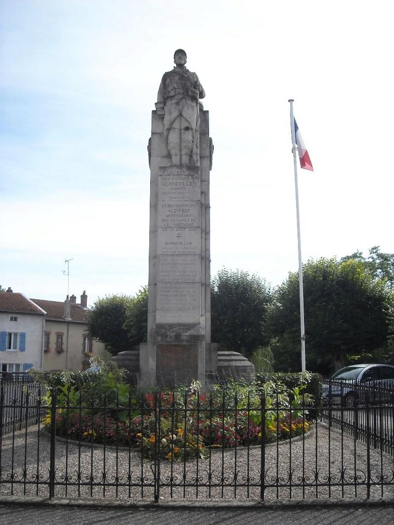 40 000 monuments pour 1 350 000 morts pendant la guerre de 14-18 [sujet collaboratif : on a besoin de vous !] - Page 3 Monume11