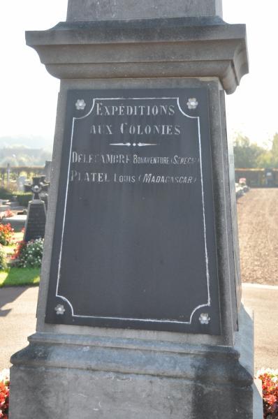 40 000 monuments pour 1 350 000 morts pendant la guerre de 14-18 [sujet collaboratif : on a besoin de vous !] - Page 4 Monume19
