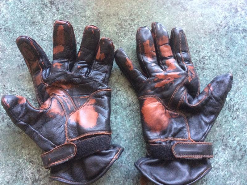 gants Helstons qui foutent le camp ( Coup de Gueule ) - Page 3 7b6aac10
