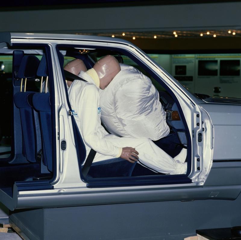 Airbag passager - de série dès 1988 chez MB Merced16