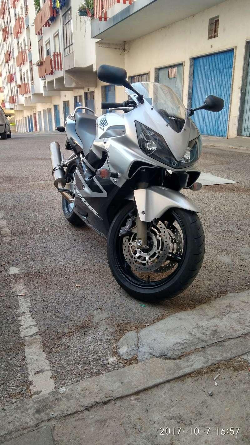 nova mota, CBR600, qual delas? todas as opiniões são preciosas Img_2012