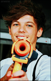 Louis Tomlinson Pistol11