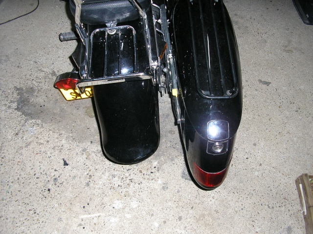 800 VN - légère modif' ... sacoche P1011217