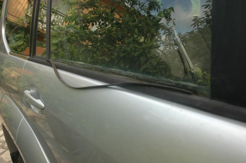[Résolu] Changer lèche vitre sur les portières. Dsc_0410