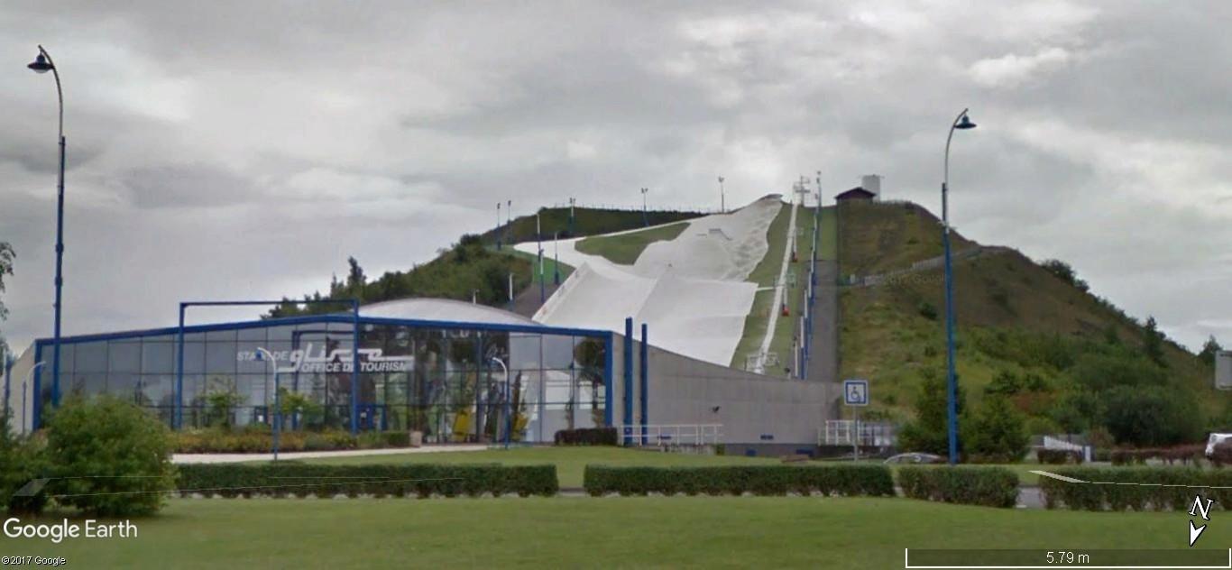 Piste de ski sur un terril à Noeux les Mines, France A155