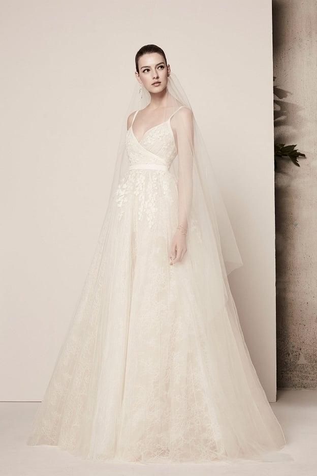 كيف تختارين فستان زفافك بحسب جسمك؟ 13989110