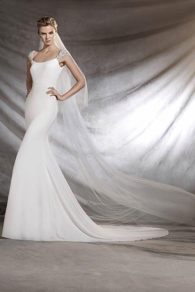 كيف تختارين فستان زفافك بحسب جسمك؟ 13989510