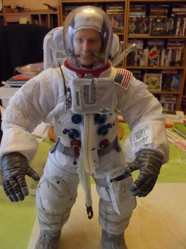 Neil Armstrong 1/6 version orlan72 - Page 2 Dscf1814