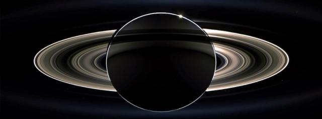 Vue spectaculaire des anneaux de Saturne par Cassini 005-0410
