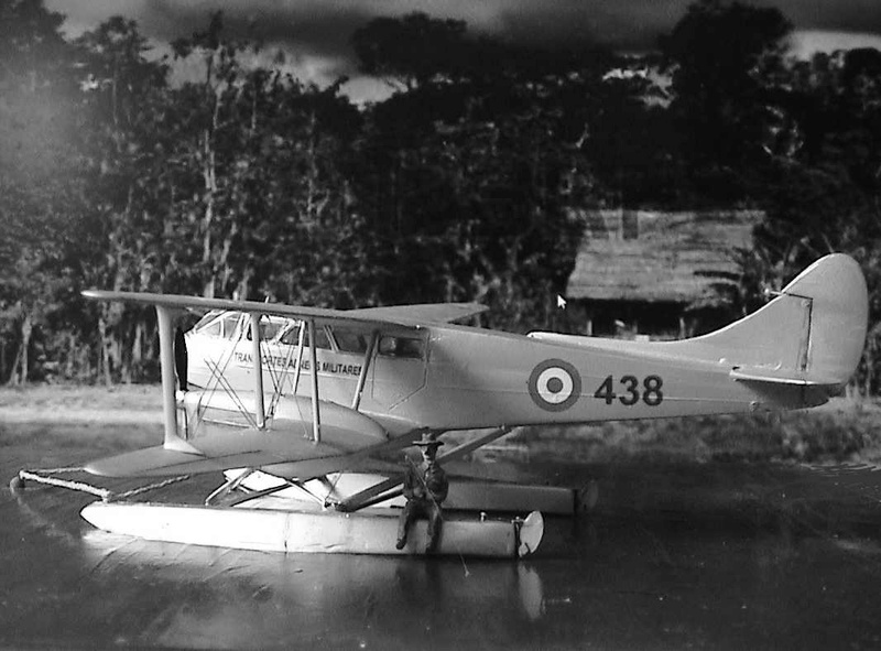 [Heller] De Havilland DH89 Dragon Rapide + Conversion DH 84 Dragon - Page 3 Dh117_10