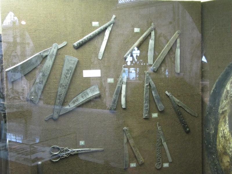 L'album photo des chasses sculptées / incrustées - Page 2 Img_6411