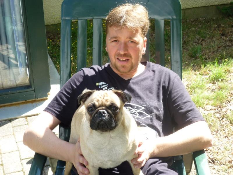 me voici avec un de mes chiens P1000113