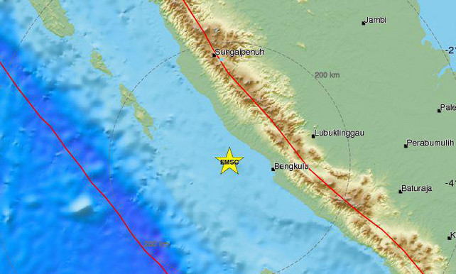 Aardbeving met kracht van 6,4 voor kust van Sumatra Aardb10