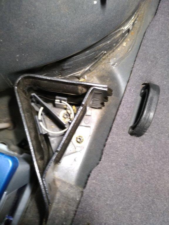 cale pour roue de secours Cale_r14