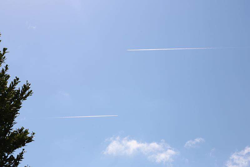 Quel est cet avion qui passe au-dessus de notre tête... - Page 2 06_aou10