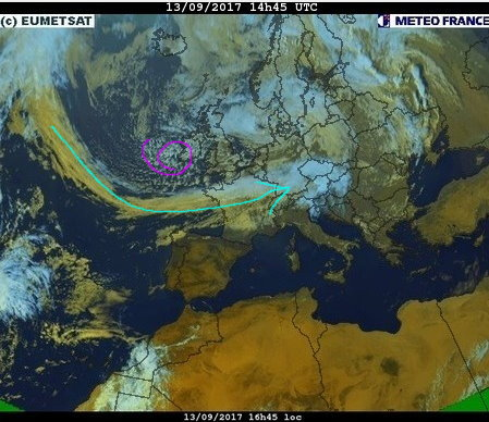 phénomènes climatiques à répétition : cyclones - Page 23 Cart1711