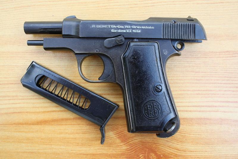 Pistolet Beretta modèle 1935 Img_1822