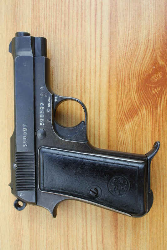 Pistolet Beretta modèle 1935 Img_1824