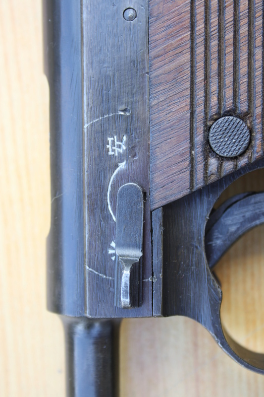 Pistolet Nambu type 14 Img_1829