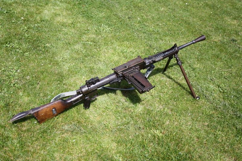 Fusil mitrailleur Breda modèle 1930 - Page 2 Img_3012