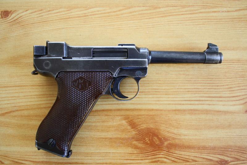 Pistolet Lahti L-35 Img_3210