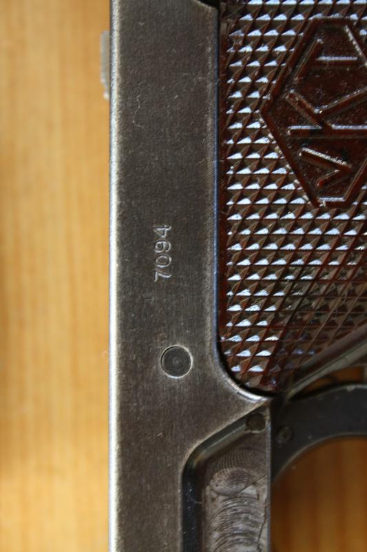 Pistolet Lahti L-35 Img_3213