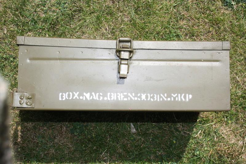 Caisse de chargeurs de BREN Img_5310