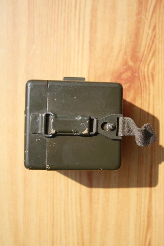 Boite à piles pour les lunettes de MG Img_6215