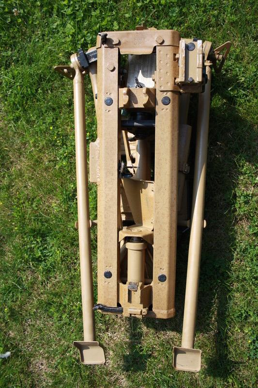 Lafette 42  (affut de MG 42) Img_6222