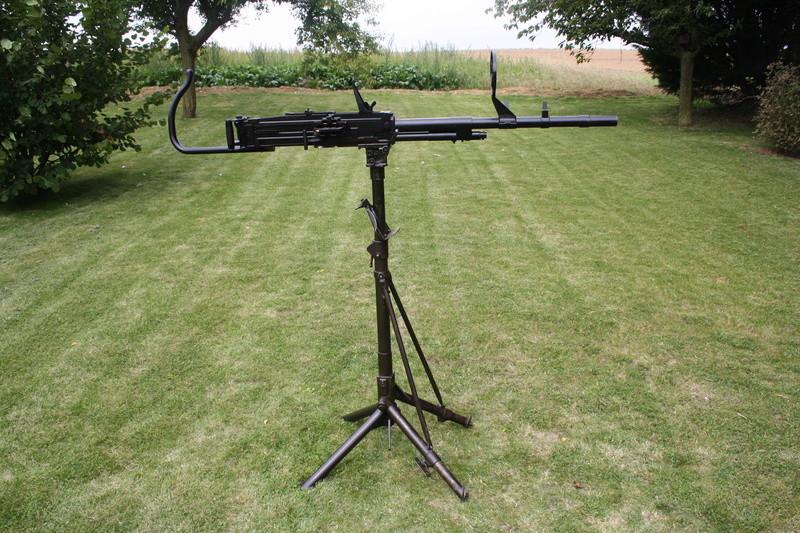 Affut anti aerien et mitrailleuse Breda Modèle 37 Img_6410
