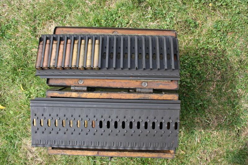 Caisse pour bandes de mitrailleuse Breda 37 Img_6414