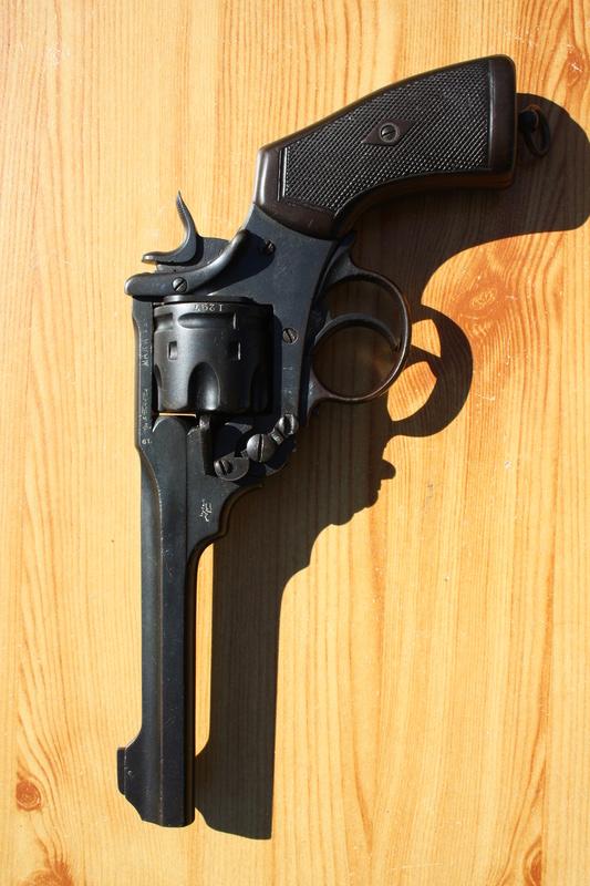 Revolver Webley MK VI Img_7026