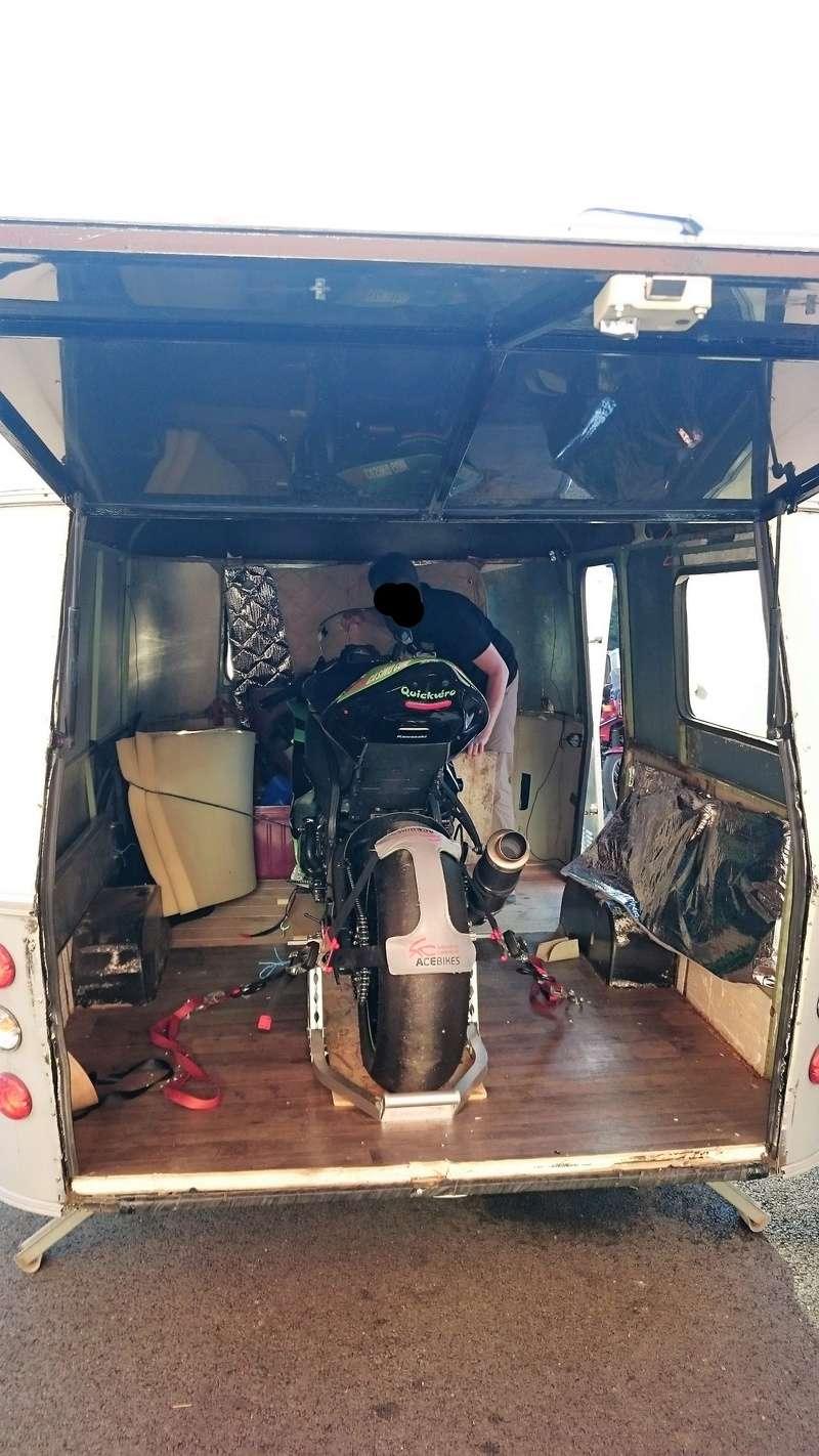 Modification caravane pour transport moto Dsc_1411