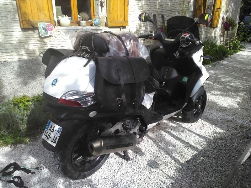 Virée en Italie en MP3 400... Au_dyp10