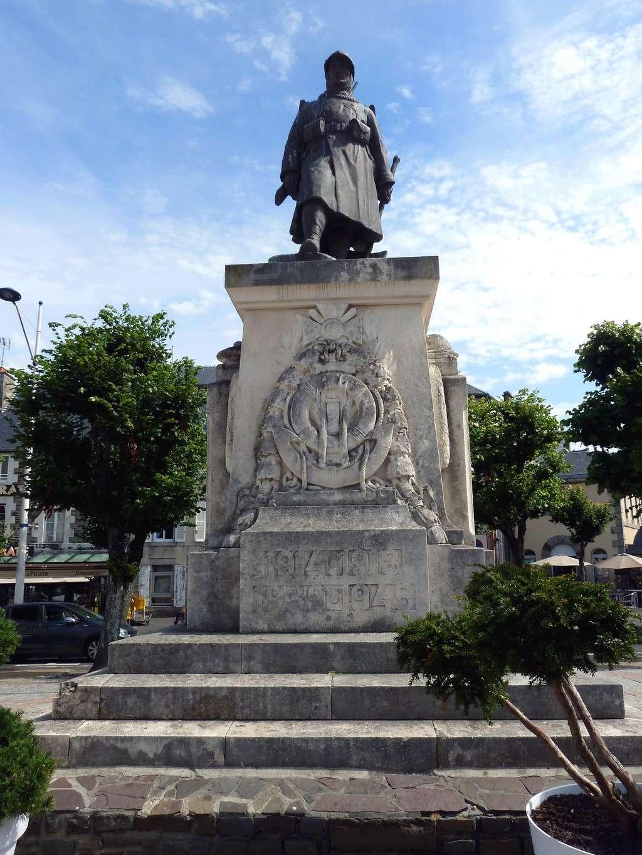 [Histoires et Histoire] Monuments aux morts originaux Français Tome 1 - Page 39 8738_p10