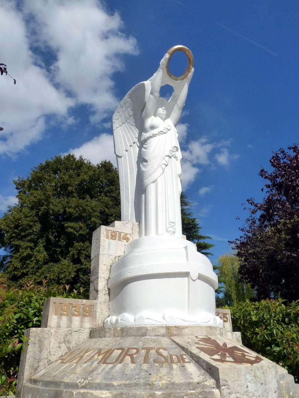 [Histoires et Histoire] Monuments aux morts originaux Français Tome 1 - Page 40 9287_p10