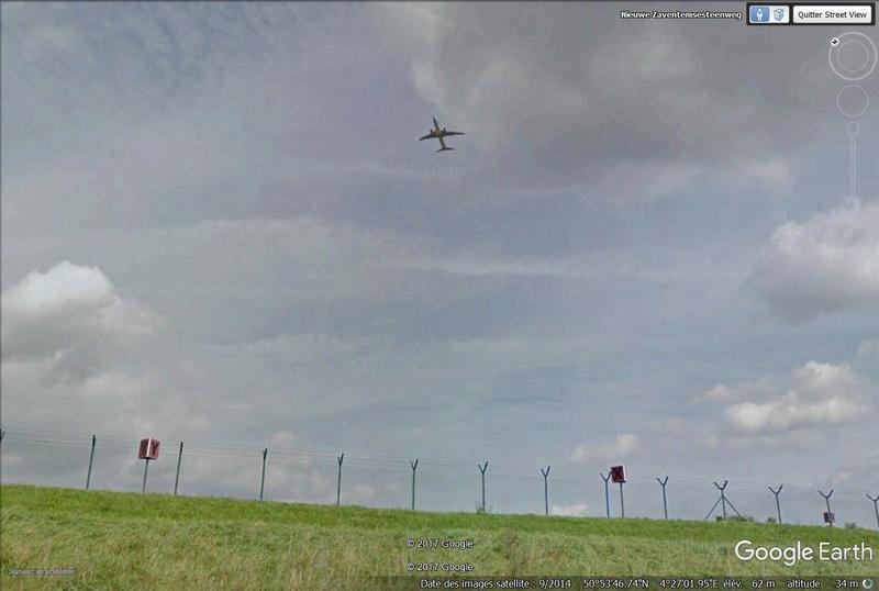 Avion  en VOL  vue Street View Avion110